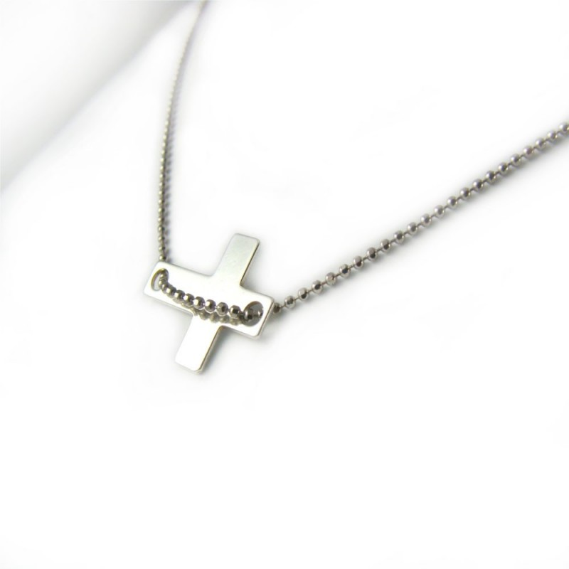 Naszyjnik celebrytek srebrny krzyżyk